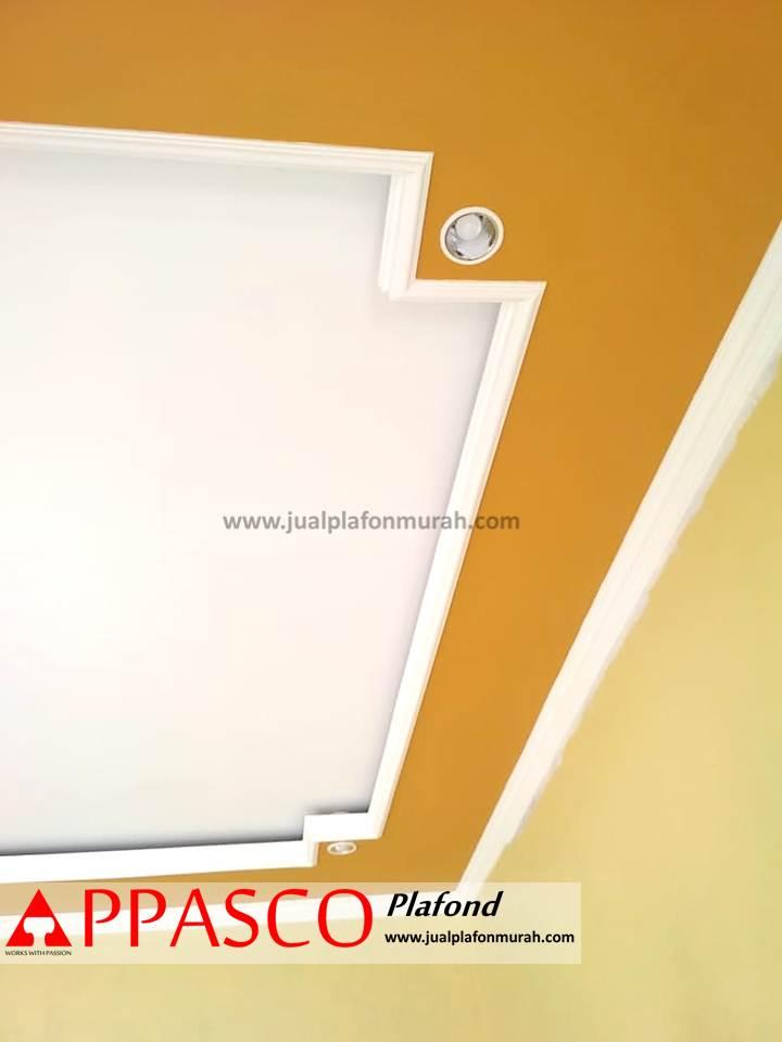 Desain Plafon Minimalis Baki warna Kuning Putih