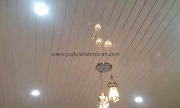Desain Plafon Minimalis PVC garis garis untuk Ruang Tamu Warna Putih
