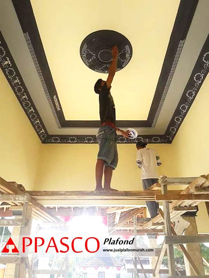 Proses Pengecatan Atap Plafon Gypsum Model Minimalis Klasik