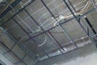 Rangka Atap Plafon Minimalis - Proses Instalasi Listrik Atap Plafon Rumah